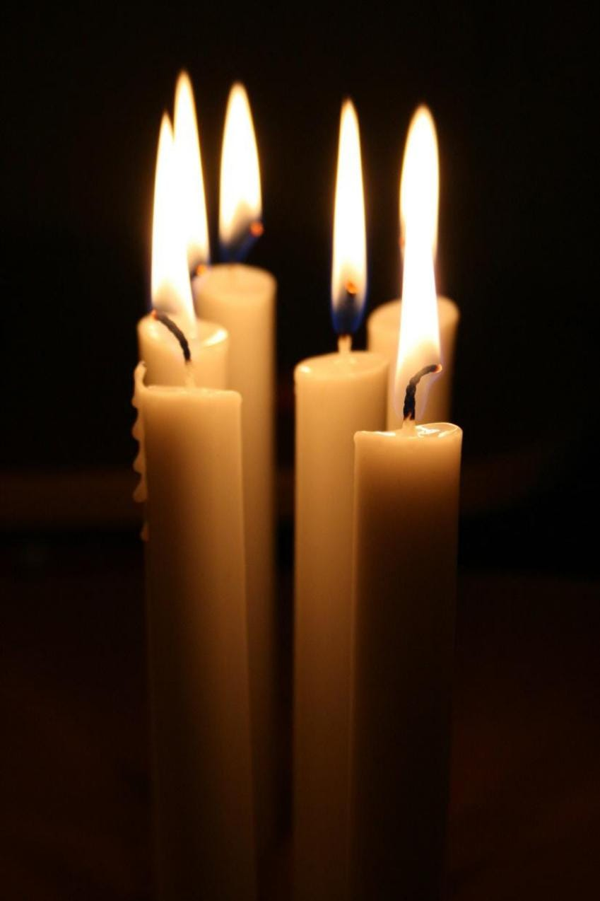Pictures of burning candles are the most popular onesImage© Gretta